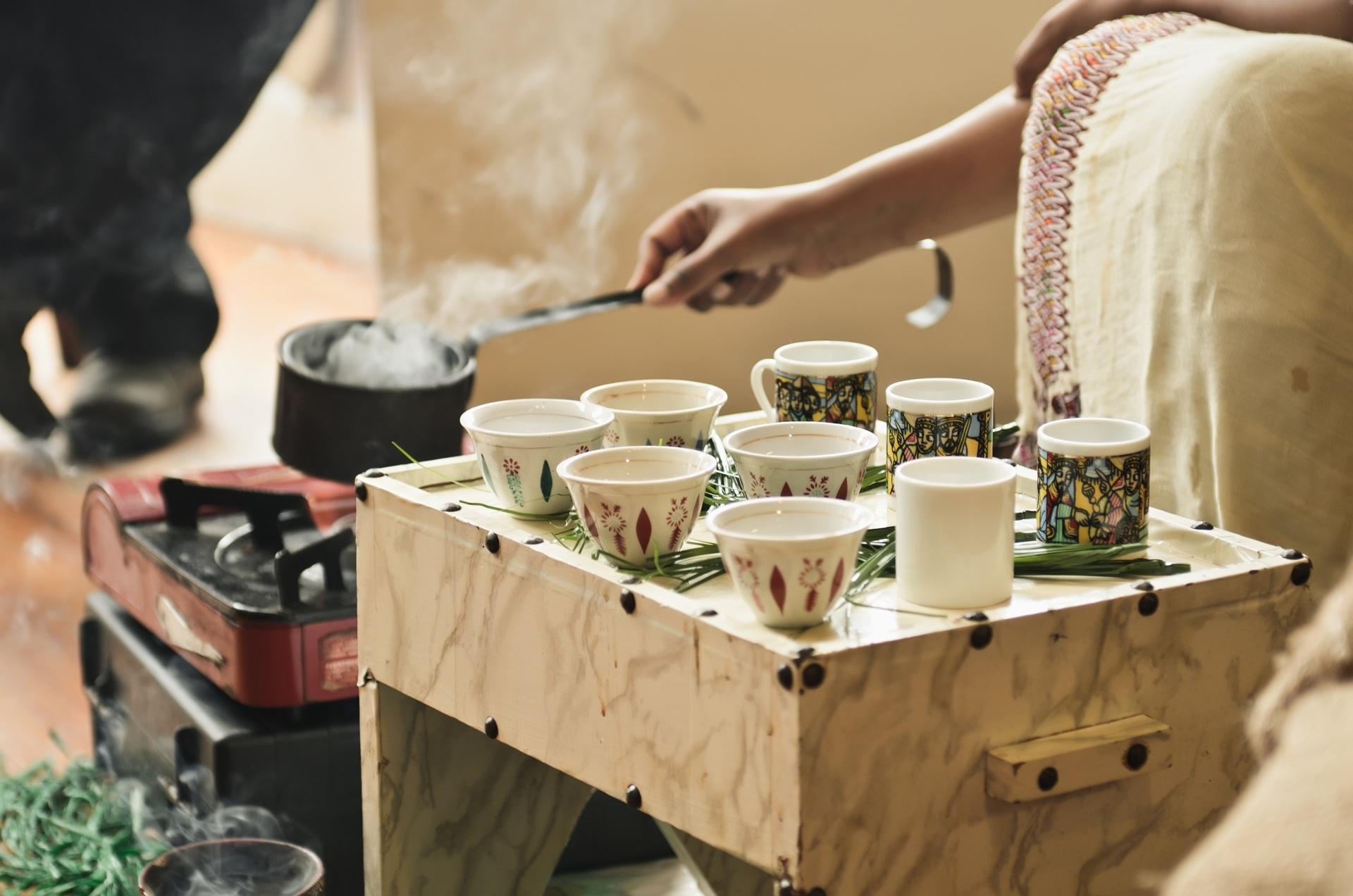 Parzenie kawy w Etiopii - miejscu, z którego pochodzi kawa